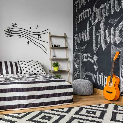 10 Inspirasi Dekorasi Kamar Tidur Bertema Musik Gotomalls
